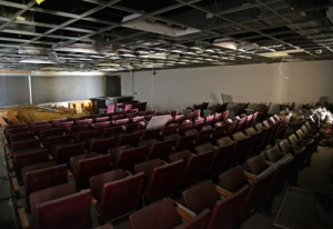 The walls are closing in on Harrelson's lecture-style lecture rooms.