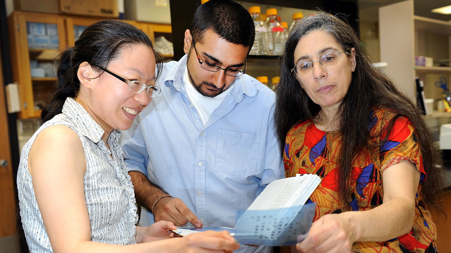 NC State Professor Sophia Kathariou with students