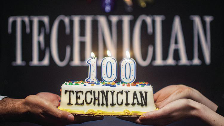 Technician 100 cake and banner